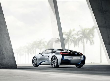 Open-Air Electrification: BMW to Add i8 Spyder Plug-in Hybrid