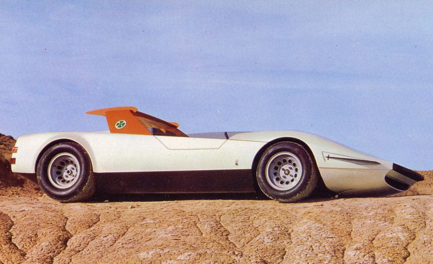 Doorstop Believin': 27 Incredible Concept Cars of the Wedge Era - Slide 5