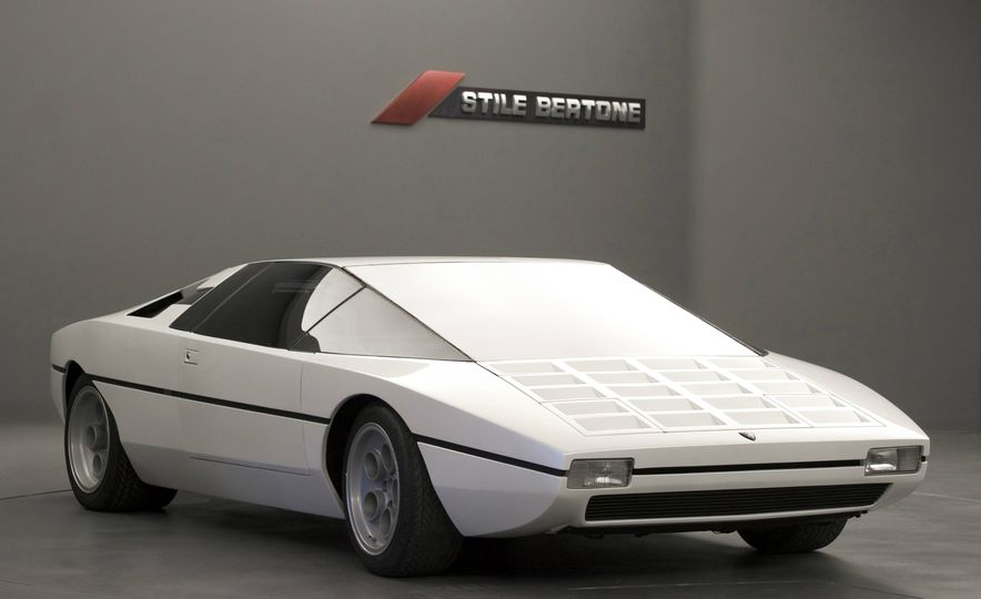 Doorstop Believin': 27 Incredible Concept Cars of the Wedge Era - Slide 25