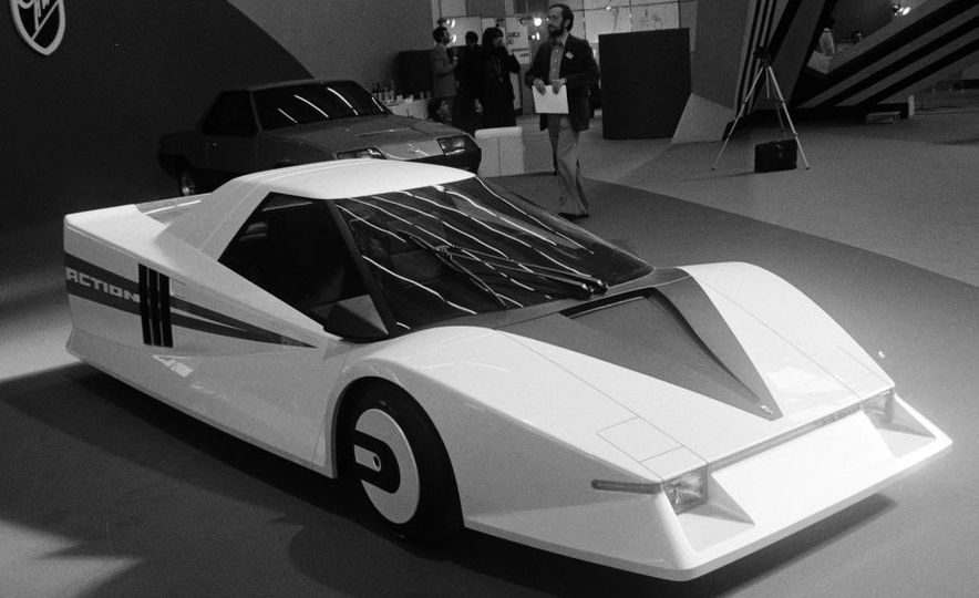 Doorstop Believin': 27 Incredible Concept Cars of the Wedge Era - Slide 28