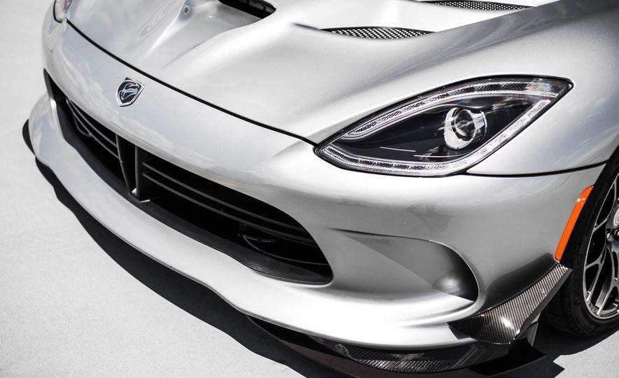 2015 Dodge Viper GT - Slide 16