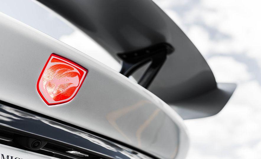 2015 Dodge Viper GT - Slide 23