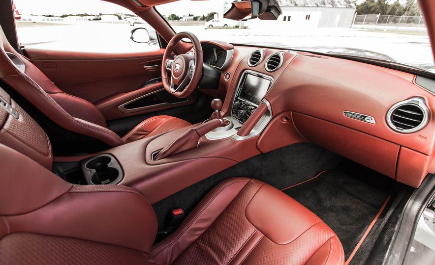 2015 Dodge Viper GT - Slide 27