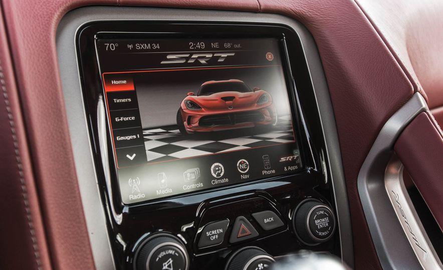 2015 Dodge Viper GT - Slide 32