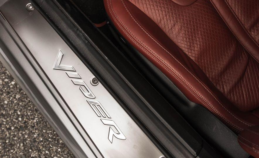 2015 Dodge Viper GT - Slide 39