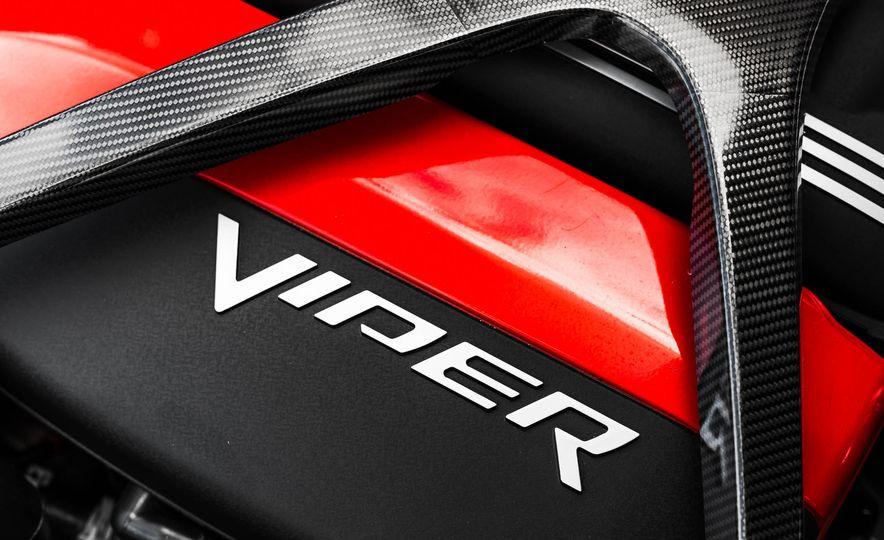 2015 Dodge Viper GT - Slide 46