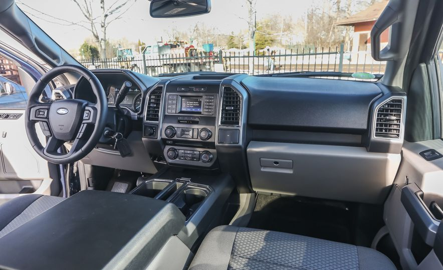 2015 Ford F-150 XLT 2.7L EcoBoost 4x4 - Slide 16