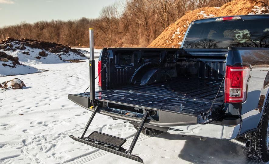 2015 Ford F-150 XLT 2.7L EcoBoost 4x4 - Slide 13