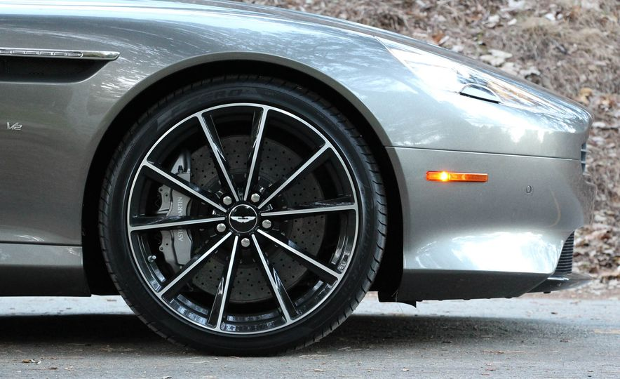 2016 Aston Martin DB9 GT - Slide 18