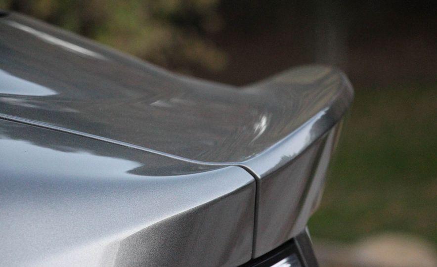 2016 Aston Martin DB9 GT - Slide 23