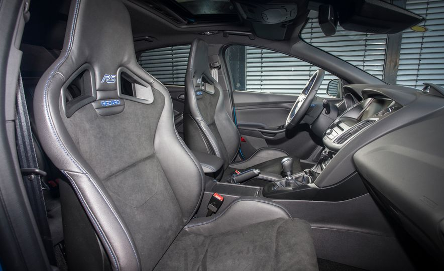 2016 Ford Focus RS - Slide 39
