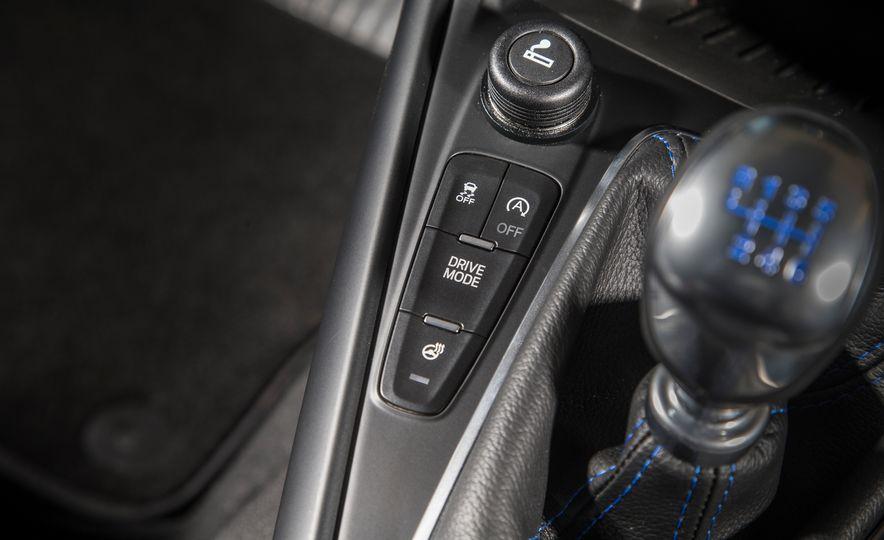 2016 Ford Focus RS - Slide 49