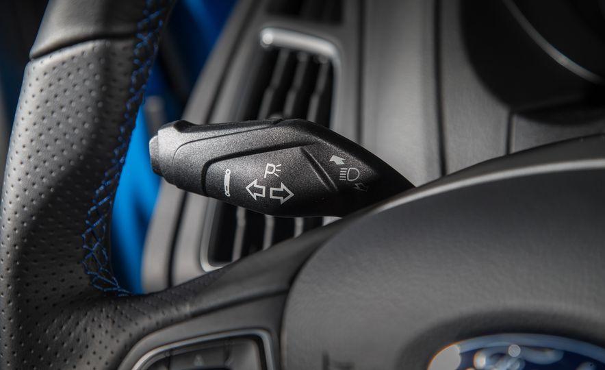 2016 Ford Focus RS - Slide 50