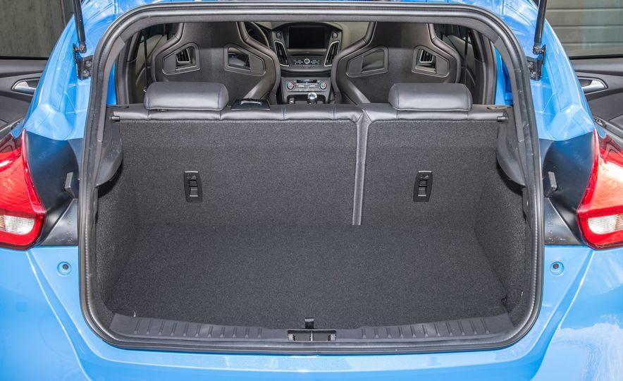 2016 Ford Focus RS - Slide 61