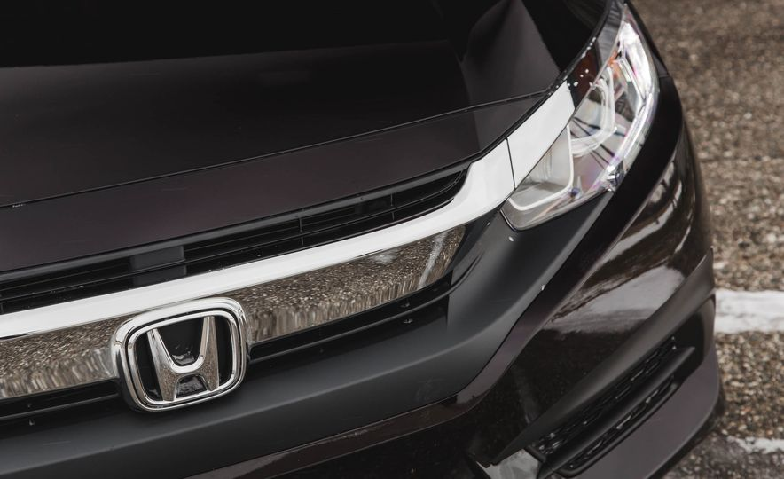 2016 Honda Civic EX - Slide 9
