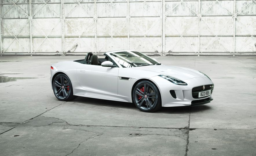 Jaguar F-type British Design Editions - Slide 5