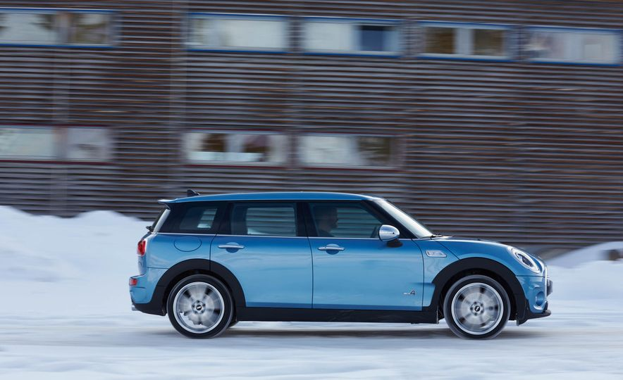 2016 Mini Clubman S ALL4 - Slide 14