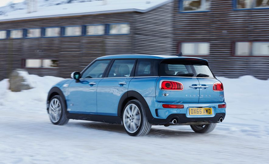 2016 Mini Clubman S ALL4 - Slide 17