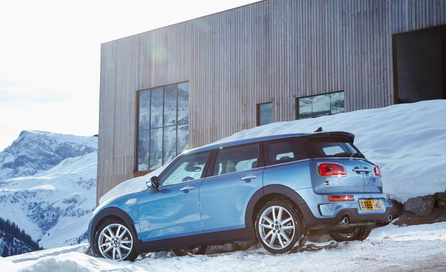 2016 Mini Clubman S ALL4 - Slide 23