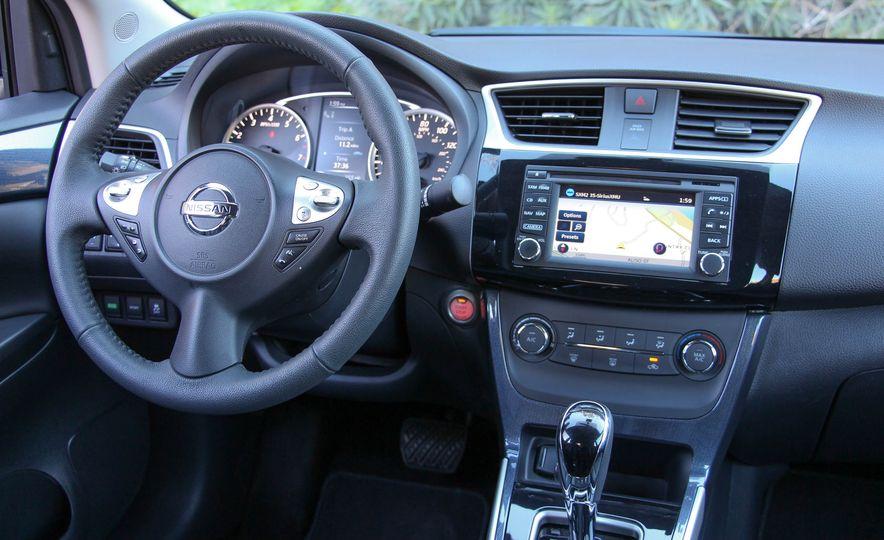 2016 Nissan Sentra SR - Slide 19