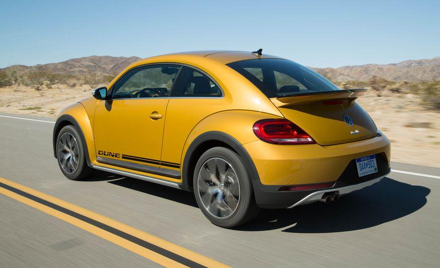 2016 Volkswagen Beetle Dunes - Slide 12