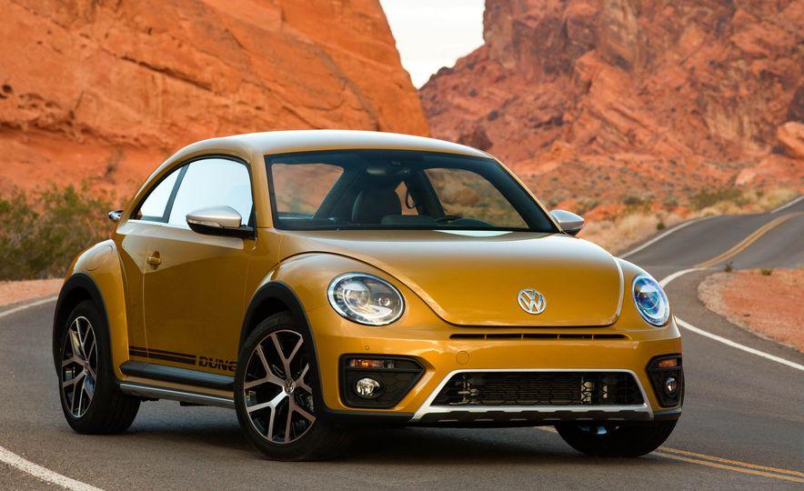 2016 Volkswagen Beetle Dunes - Slide 16