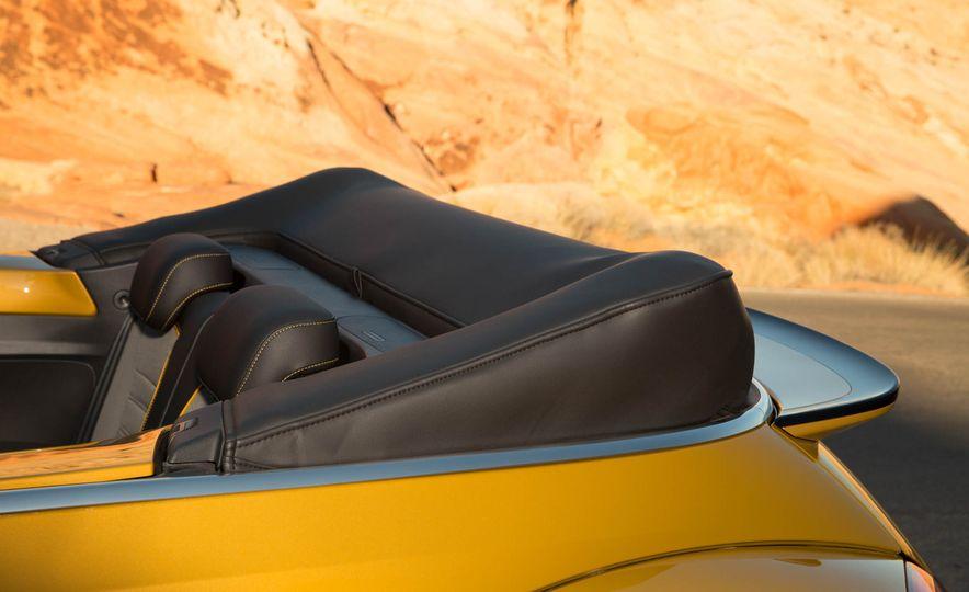 2016 Volkswagen Beetle Dunes - Slide 40