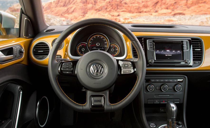 2016 Volkswagen Beetle Dunes - Slide 47