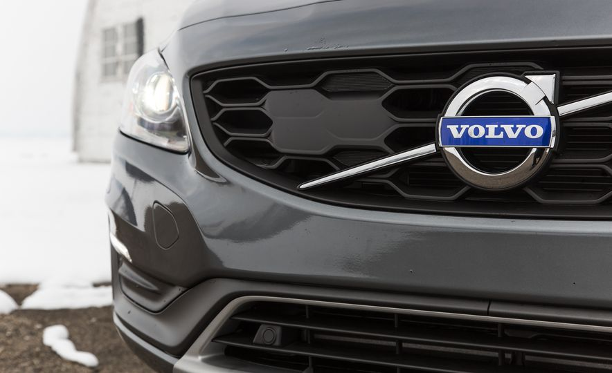 2016 Volvo S60 T5 Cross Country - Slide 7