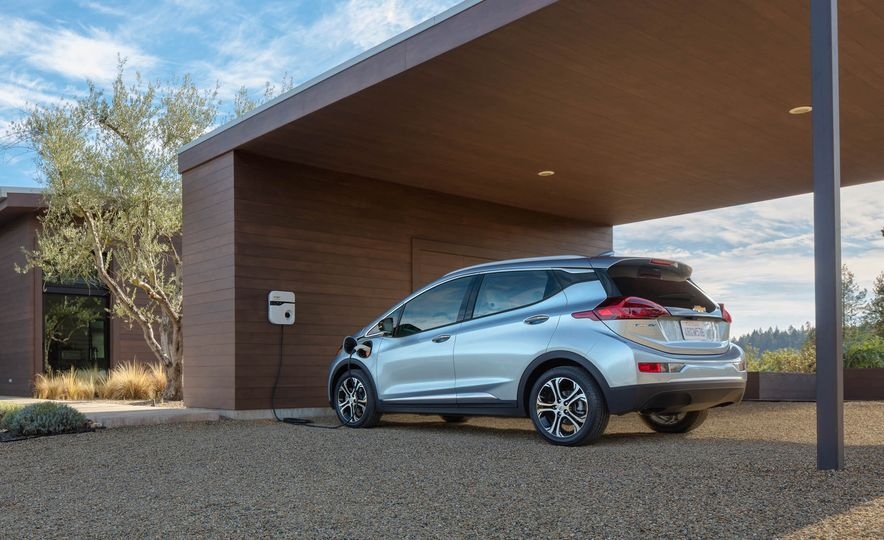 2017 Chevrolet Bolt EV - Slide 8