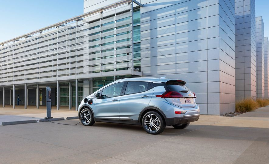 2017 Chevrolet Bolt EV - Slide 9
