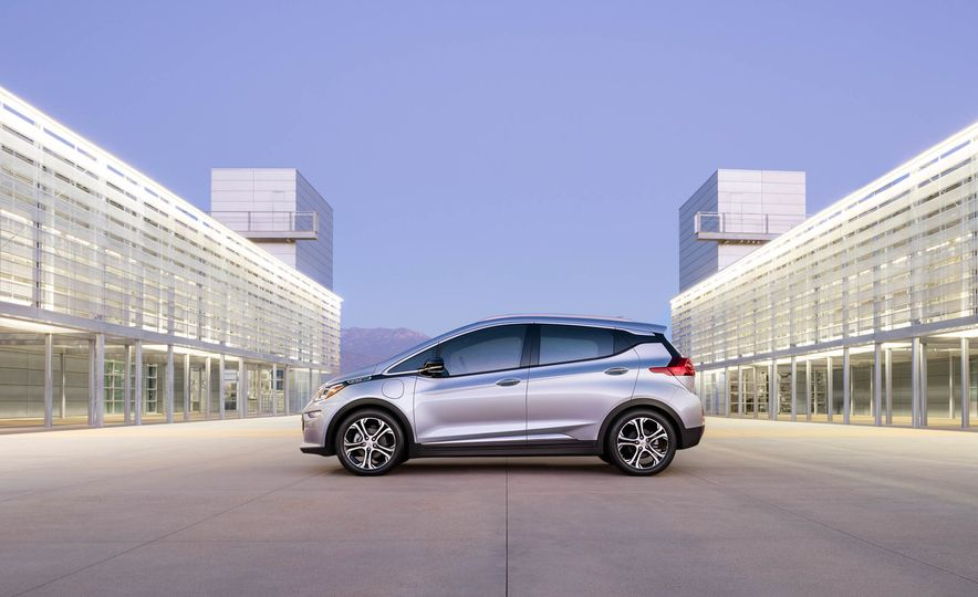 2017 Chevrolet Bolt EV - Slide 10