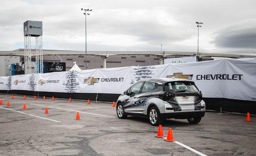 2017 Chevrolet Bolt - Slide 6