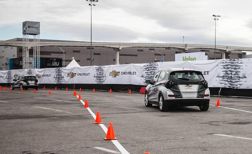 2017 Chevrolet Bolt - Slide 7