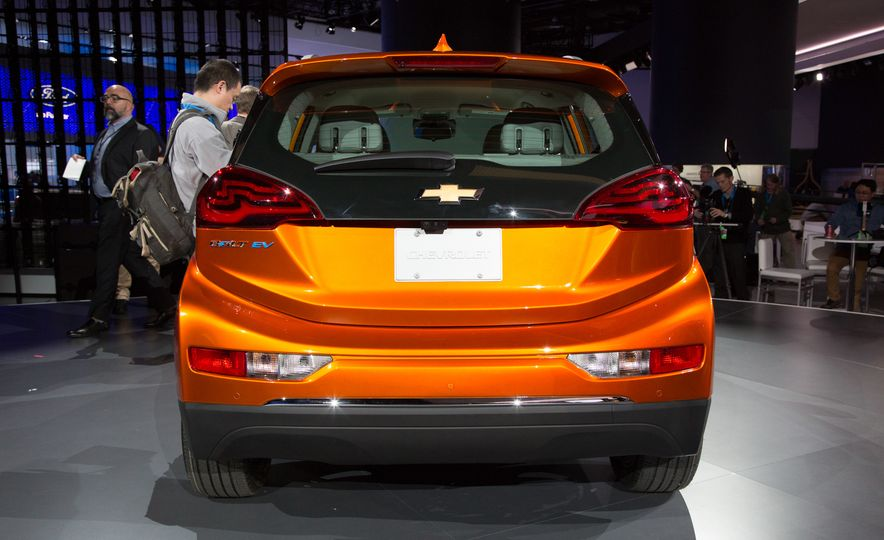 2017 Chevrolet Bolt EV - Slide 3