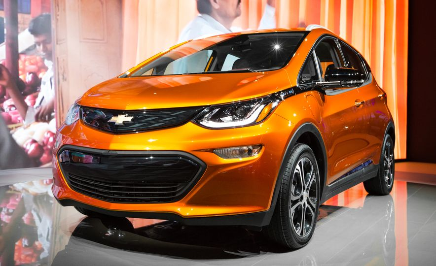 12 Things to Know About Chevrolet's $30,000 Bolt EV - Slide 11