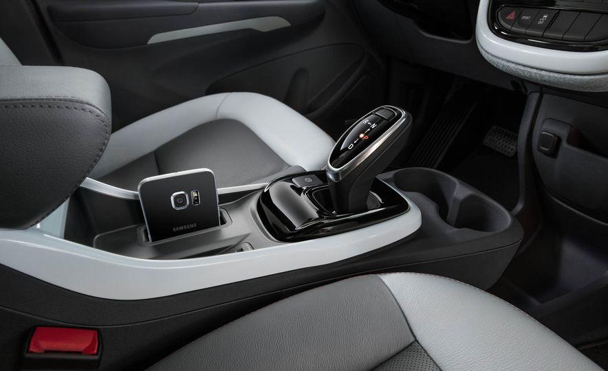 2017 Chevrolet Bolt EV - Slide 16
