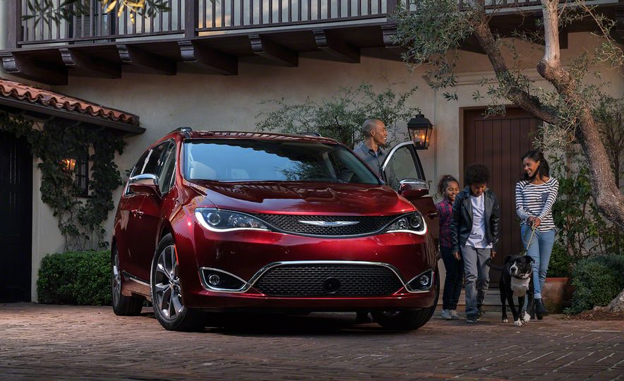 2017 Chrysler Pacifica and Pacifica plug-in hybrid - Slide 7