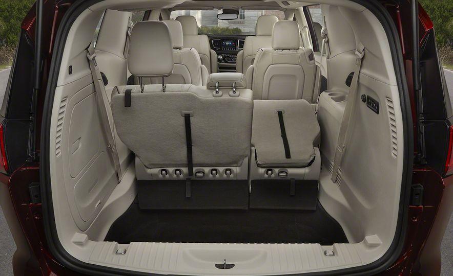 2017 Chrysler Pacifica - Slide 74