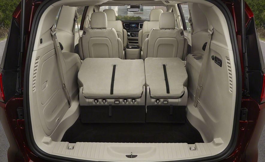 2017 Chrysler Pacifica - Slide 76
