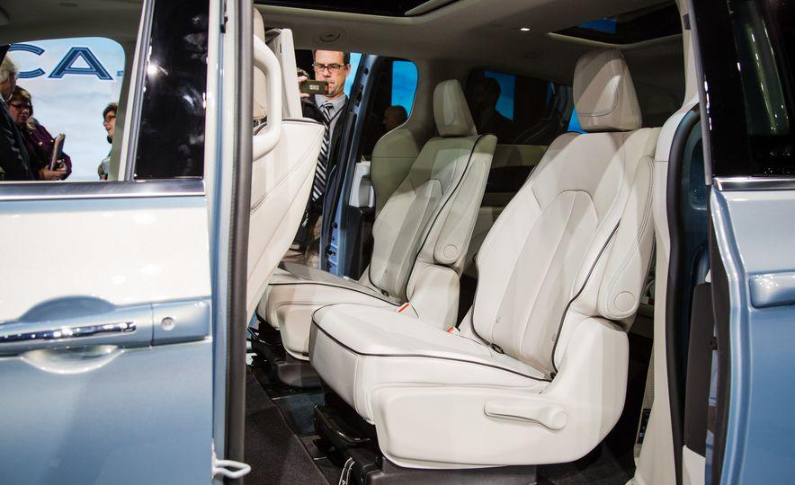 2017 Chrysler Pacifica - Slide 13