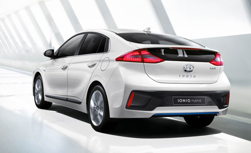 2017 Hyundai Ioniq EV - Slide 1