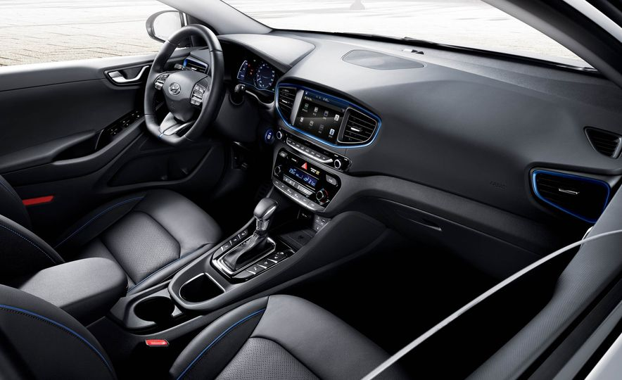 2017 Hyundai Ioniq EV - Slide 3