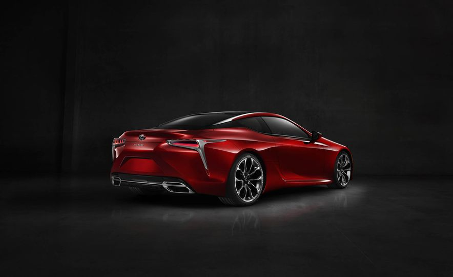 2017 Lexus LC500 - Slide 38