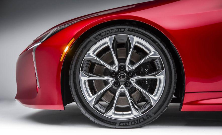 2017 Lexus LC500 - Slide 44