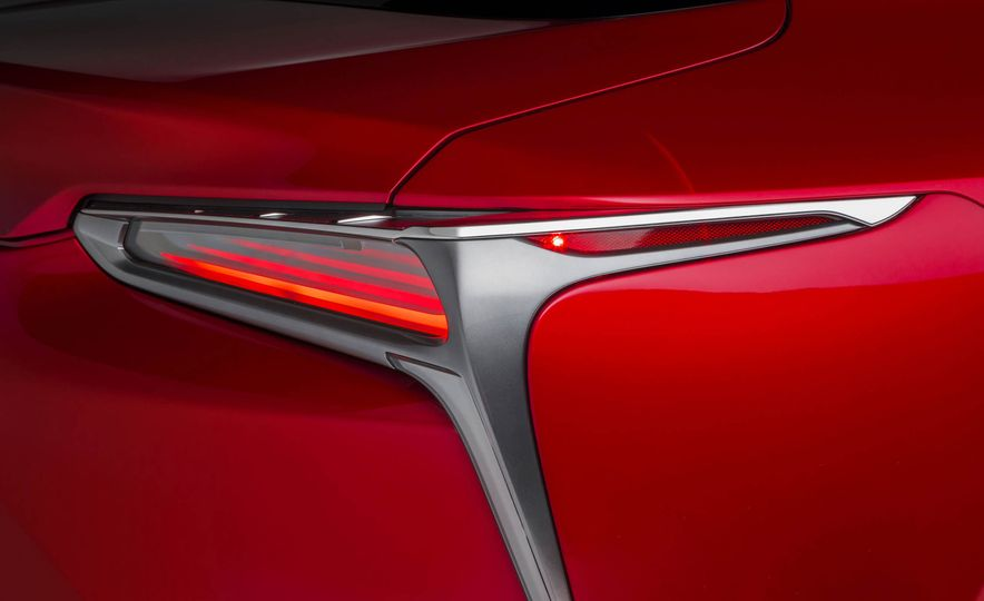 2017 Lexus LC500 - Slide 51