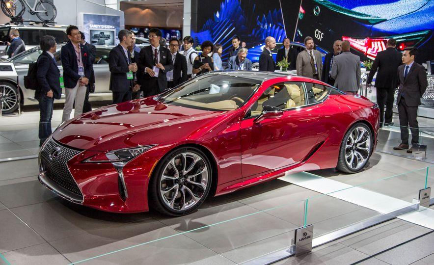 2017 Lexus LC500 - Slide 2