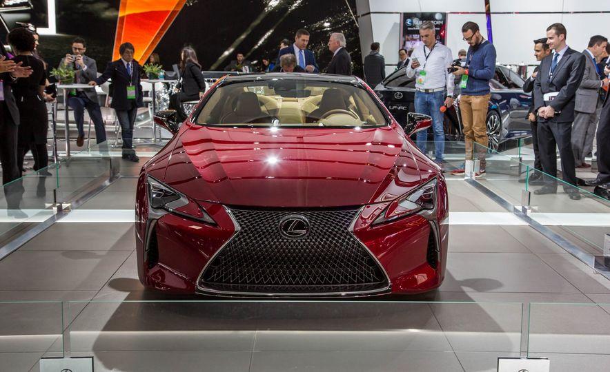 2017 Lexus LC500 - Slide 4