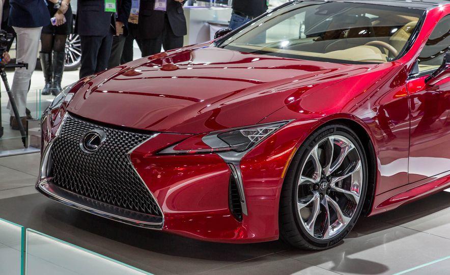 2017 Lexus LC500 - Slide 9