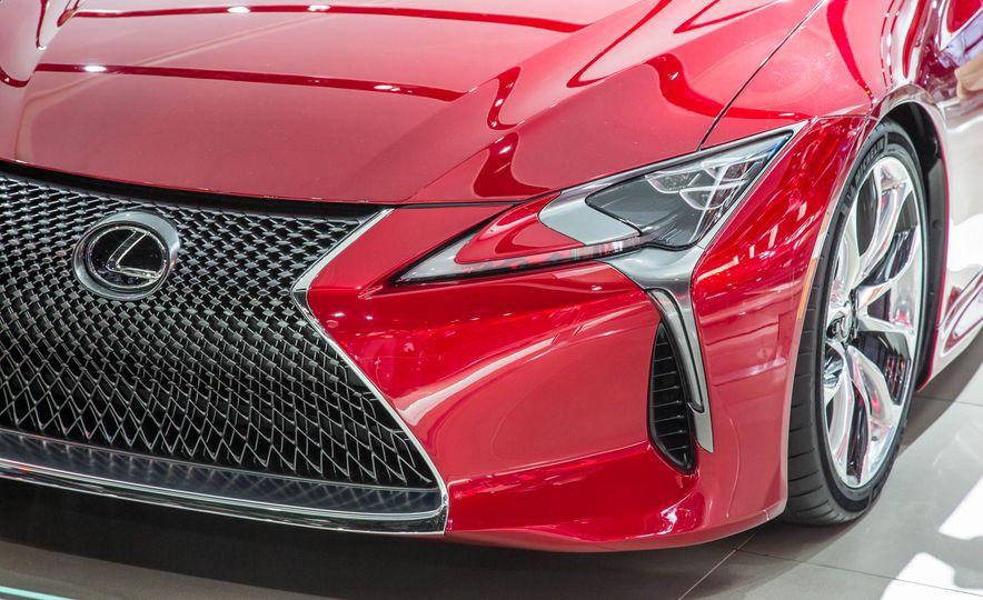 2017 Lexus LC500 - Slide 10